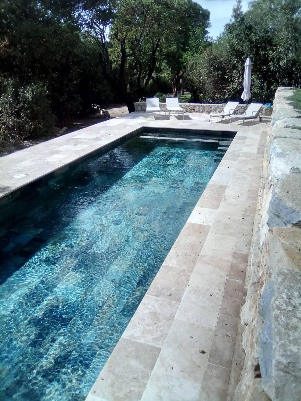 carrelage piscine bali green pour interieur de piscine a