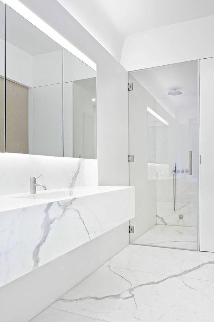 salle de bain en marbre blanc de carrare a paris pierre. Black Bedroom Furniture Sets. Home Design Ideas